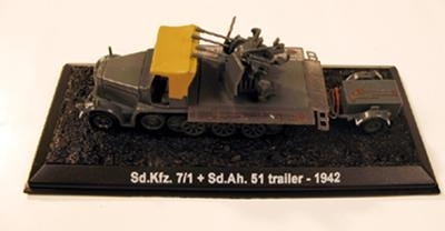 Sd.Kfz. 7/1 with Sd.Ah. 51 - 1942, 1/72
