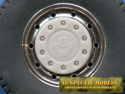 """V8"" Truck Hub-Cap with nut protection ring for Tamiya Cooler Wide Rims, 1 Set, 1/14"