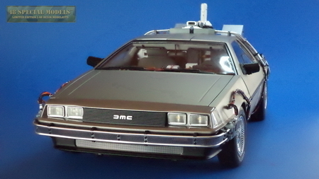 DeLorean Mk I /Mk II, BttF Metal Model with Light, Scale 1/8